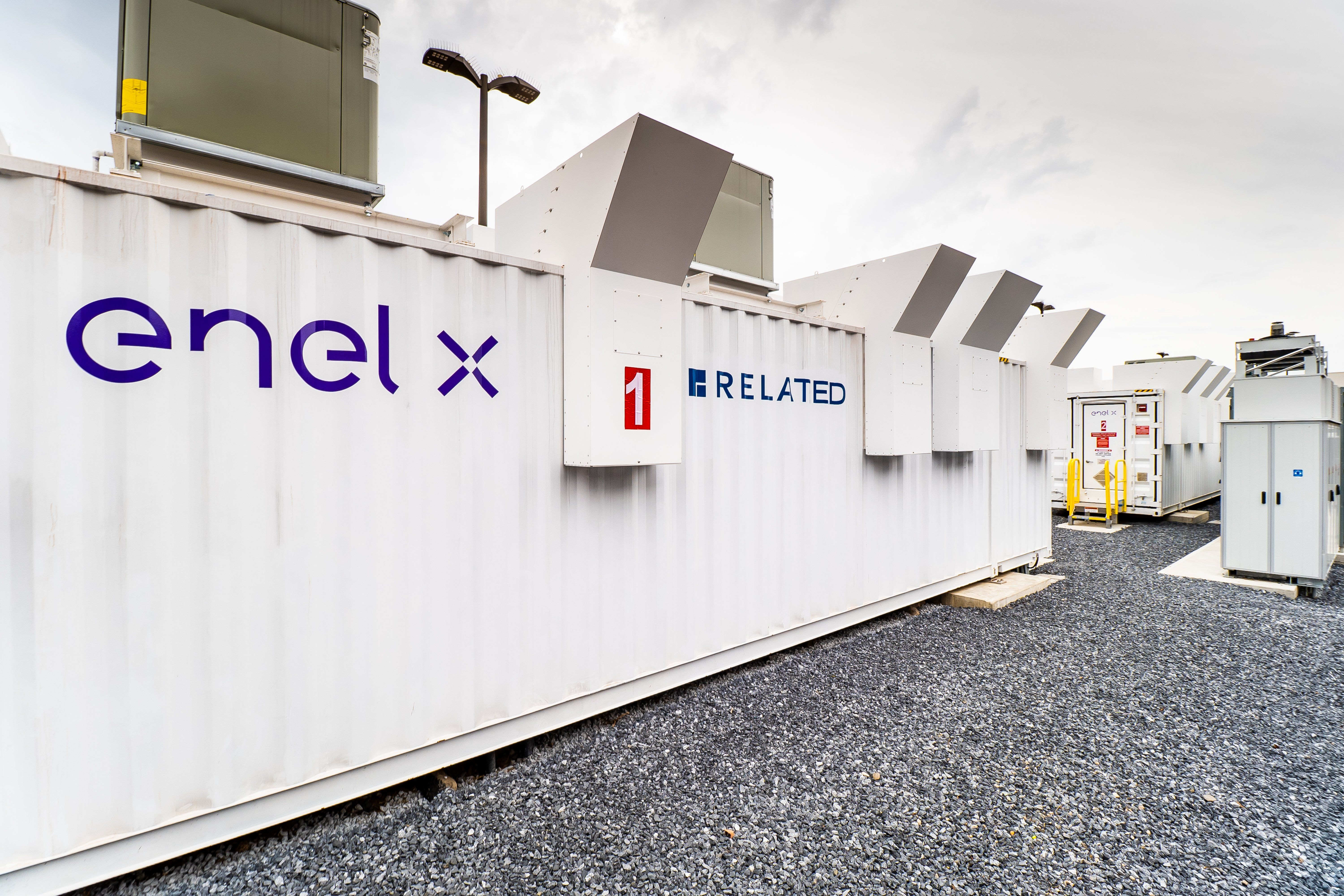Enel's new battery sits at a shopping mall owned by Related Companies, but its activities serve Con Edison's grid. (Photo credit: Enel X)