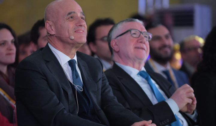 Eni CEO Claudio Descalzi (left) has his eye on wind and solar projects. (Credit: Eni/Flickr)