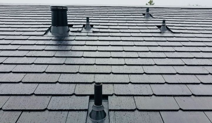 Tesla Solar Roof Order >> Homeowner Calls Tesla Solar Roof Installation A Positive Experience