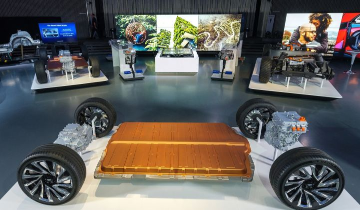 GM revealed a new modular EV platform and battery system called Ultium. (Credit: GM)
