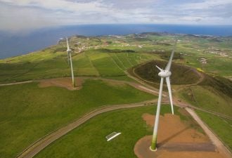 Wind turbines on the island of Graciosa in the Azores, with just under 5,000 inhabitants and a peak load of just 3 megawatts.