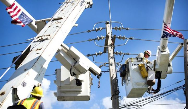 Hurricane Maria has sparked a debate on the future of Puerto Rico's electrical grid.