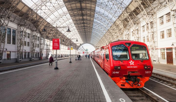 Russia's trains will soon get battery assistance.