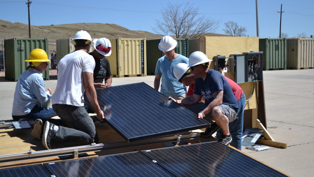 6 Ways to Recruit and Retain Veterans to Your Clean Energy Company