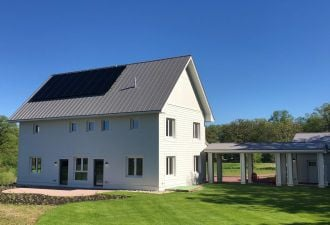Sonnen will outfit each house with a 20 kilowatt-hour ecoLinx battery system.