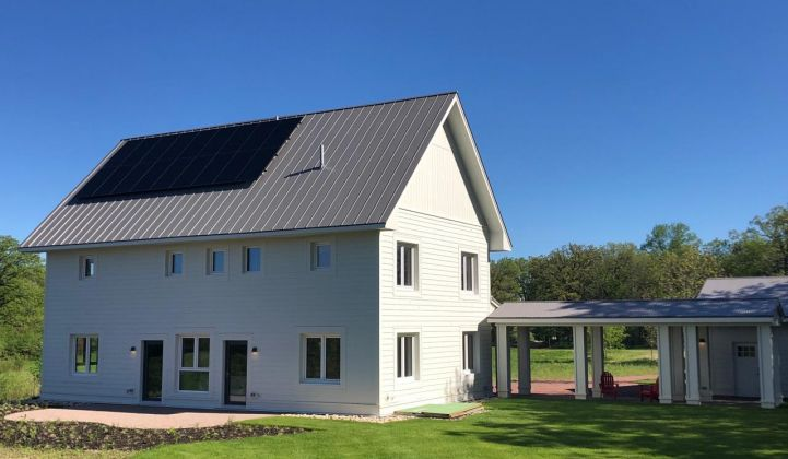 Sonnen will outfit each house with a 20-kilowatt-hour ecoLinx battery system.