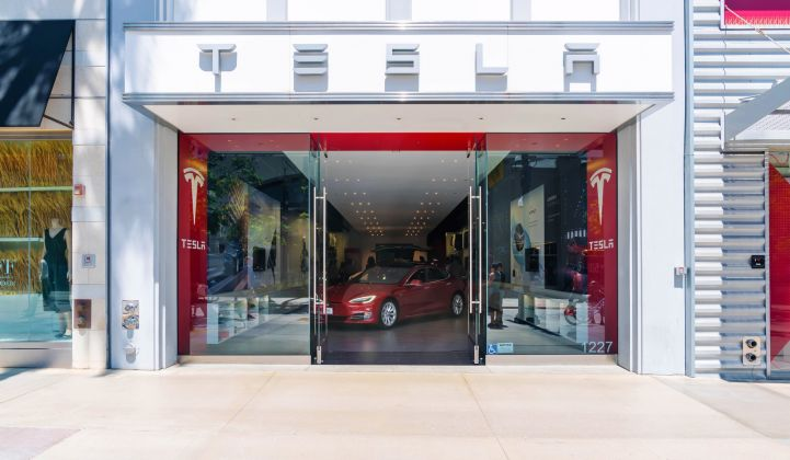 How effectively is Tesla selling solar in its stores?