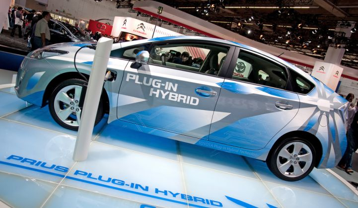 The new joint venture aims to provide a stable supply of competitive batteries to multiple automakers.