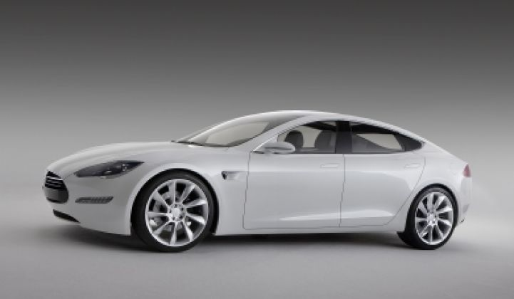 Daimler Takes 10% Stake in Tesla, Helps With Model S Launch