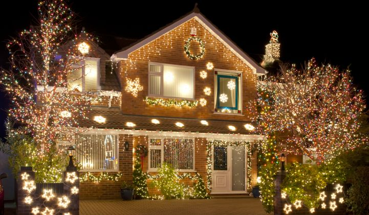 LEDs Cut New York's Christmas-Light Energy Needs by 35%