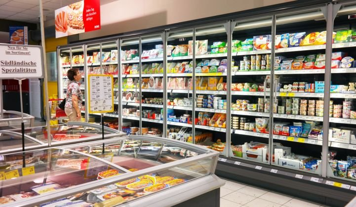 Axiom Exergy uses thermal storage to shave grocery stores' electricity bills and keep food safe during blackouts.