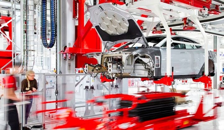 Reports: Tesla Giga Battery Factory Site Selection Now a Two-State Solution